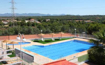 Apertura de la piscina del Club de Tenis el Collao