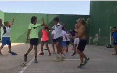 Así se divierten los más pequeños en el campus…. con Alberto Rodríguez
